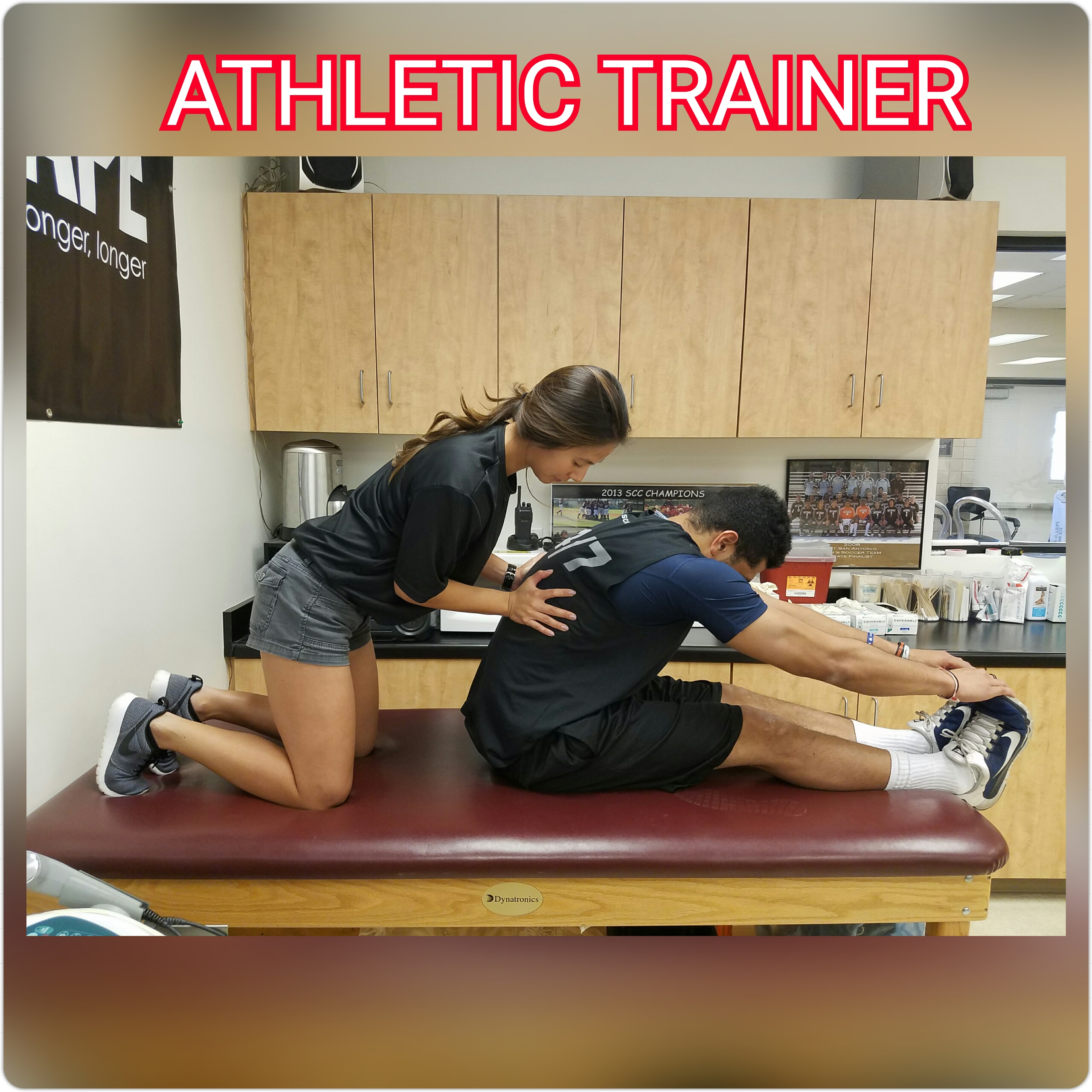 Trainer Stretching student