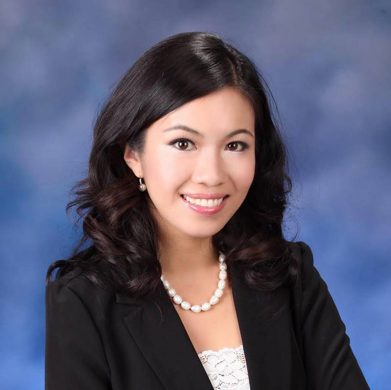 picture of Mt. SAC's alumna of the year Elizabeth Yang