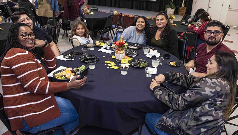 Students enjoy Thanksgiving Dinner