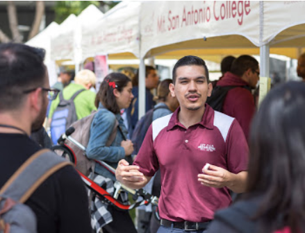 A Mt. SAC counselor speaks with students